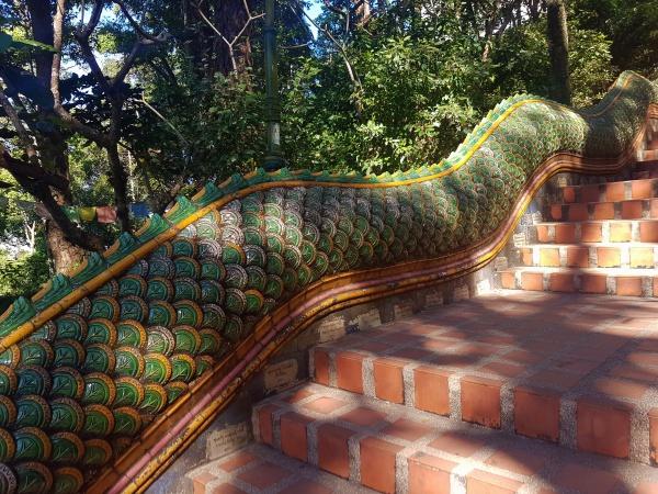 Treppe hinauf zum Wat Phra That Doi-Suthep